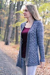 Avix_front_the_knitting_vortex_small_best_fit