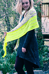 Kline_shawl_side_view_the_knitting_vortex_small_best_fit
