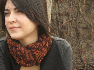 Tangled_branches_cowl_pic_5_small2