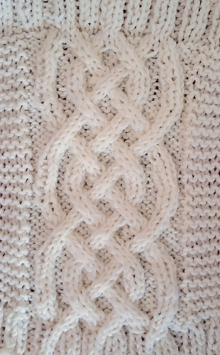 Small_celtic_braid_back_medium