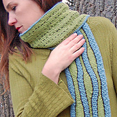 Ripplescarf-on-neck_copy_small_best_fit