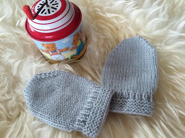 Ravelry Thumbless Baby Mittens Pattern By Karen Walthinsen