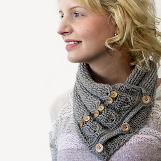 Cabled_owl_neck_warmer_1_small2