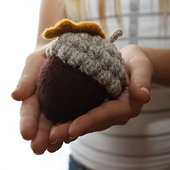 Woodland_acorn_4_small_best_fit