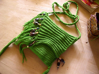 Green-fringed-bag-1_small2