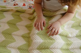 Chevron_baby_blanket_small2