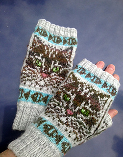Catgloves1_small2