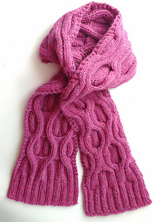Chunky Cable Scarf pattern by Laura Whittington (Knitting Emporium)