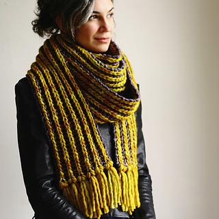 Beginners Brioche Scarf pattern by Lavanya Patricella
