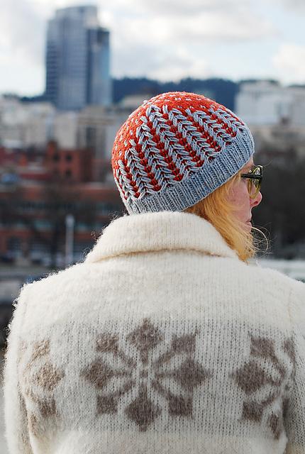 tuque au tricot Hólm par Lee Meredith
