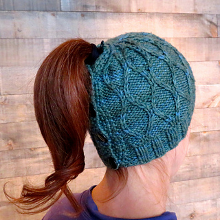Teal_trellis_ponytail_hat_high_small2