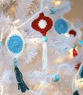 Crochet_retro_ornament_garland_small_best_fit