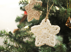 Crochet_star_ornament_small