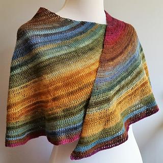 2015_abigail_asymmetrical_gradient_shawl__3__small2