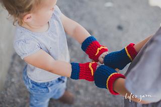 89ab023d9ddc Ravelry: Superman/ Wonder Woman Fingerless Gloves pattern by Wanita  Levacy-Sabin