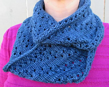 Midnight_lace_cowl_small_best_fit