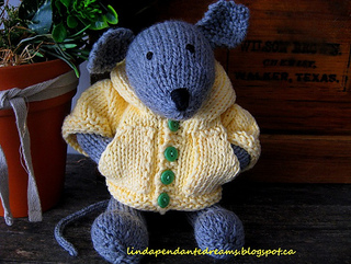 Knit_mouse_002_small_small2