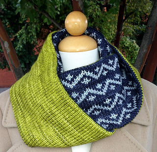 Drew_cowl_and_pink_fizz_pattern_photos_2013_014_small2