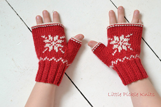 Little_pickle_knits_snowflake_fingerless_mittens_small2