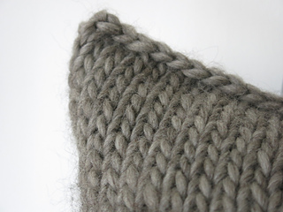 f3200b3af4d84 Ravelry  Sweet and Simple Cushion pattern by Littletheorem