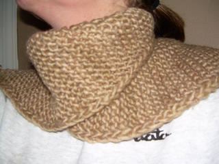 Laura_p_bday_cowl_small2