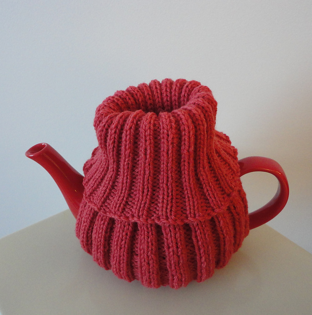 Ravelry Teapot Turtleneck Pattern By Suzanne Resaul