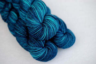 Deep_blue_sea_worsted__4__small2