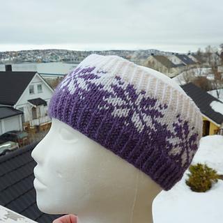ad046f19 Ravelry: Vårstjerne pannebånd / SPRING headband pattern by MaBe