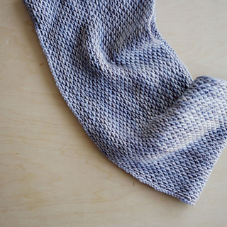 Honey Cowl pattern by Antonia Shankland