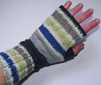 Glove_worn1_small_best_fit