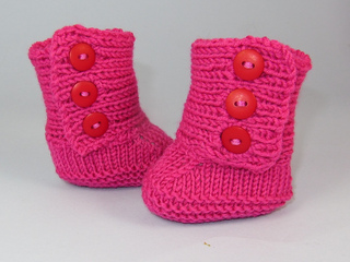 Baby_3_button_booties4_small2
