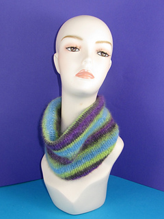Angel_prints_mohair_cowl_very_best_small2