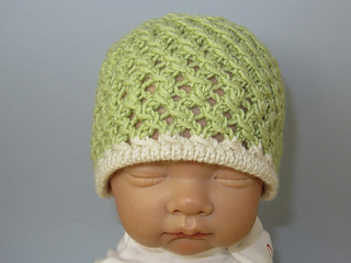 Baby_3_stitch_lace_pattern_skullcap_and_sandals4_small2