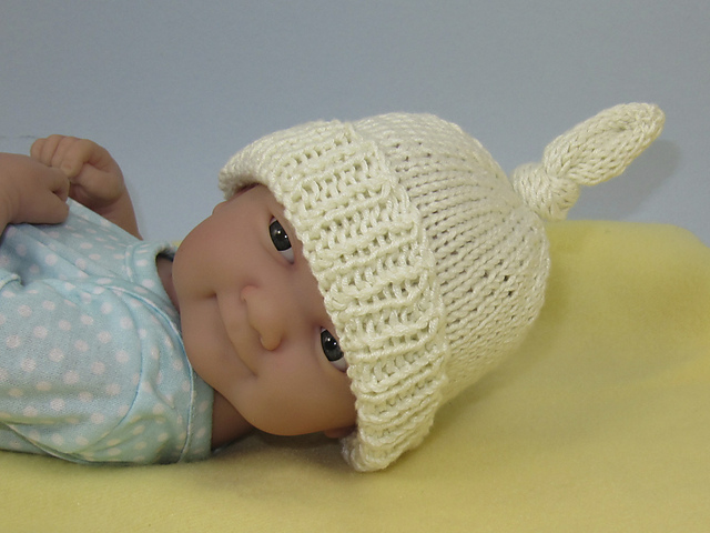 Ravelry: Just For Preemies - Premature Baby Topknot Beanie and ...