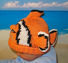 Clown_fish_beanie3_small