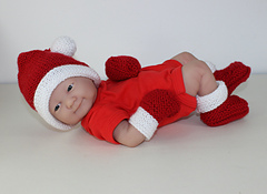 Preemie_and_new_baby_santa_hat_booties_and_mittens5_small