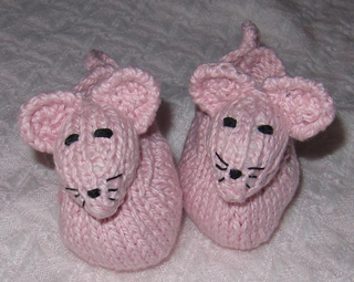 Baby_sugar_mouse_shoes2_small2