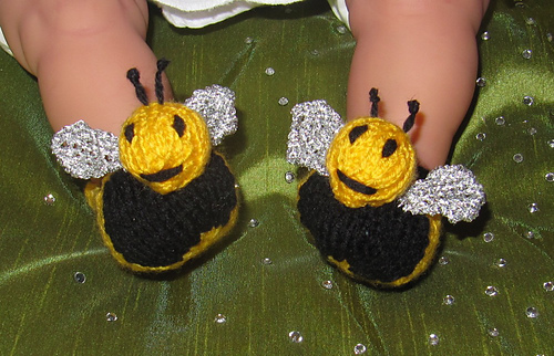 Baby_buzzy_bee_boots_knitting_pattern_by_madmonkeyknits2_medium