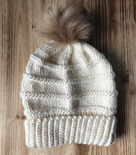 54b55633cdd Ravelry  Chelsea Beanie pattern by Magnolia Knits