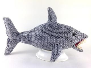 Shark_full_size_small2