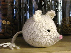 Knitted_mouse_small