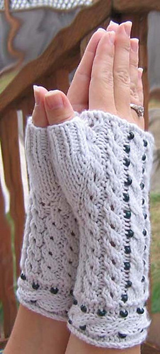 Cablebeadgloves1_medium