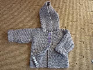 dbb9cc3b28d1 Ravelry  Paletot à capuche   Hooded baby jacket pattern by Mme ...