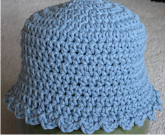 Blue_baby_hat_small