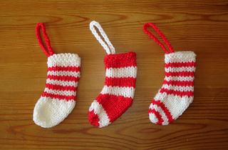 Ravelry: Easy Knit Mini Christmas Stocking Decorations ...