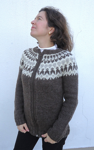 Ravelry Hela Short Cardigan With Zip Pattern By Vds Jnsdttir