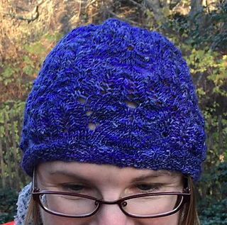 Frost_feathers_hat_square_small2