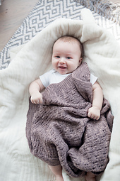 212_cgenevehoffmanphotography_monarchblanket_oneskeinforbabies_small_best_fit