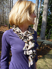 Ruffle_scarf2_small