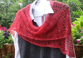 Red_lace_scarf_small2